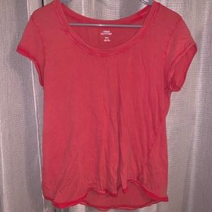 URBAN OUTFITTERS BASIC RED TEE